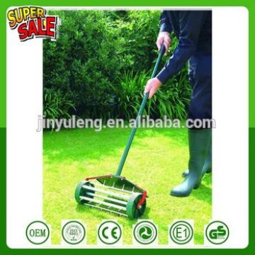Hot Popular lawn spike aerator with wheel Rolling Fertilizer Tool Landscaping Yard Grass Seeding simple lawn rake Lawn scarifier